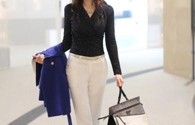 Học nữ công sở sành điệu chinh phục chiếc quần trắng